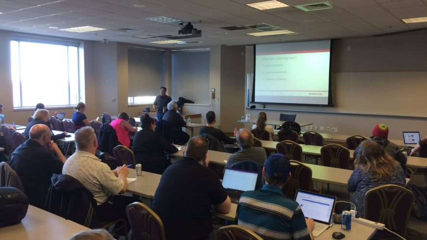Packed room at SQLSaturday Madison